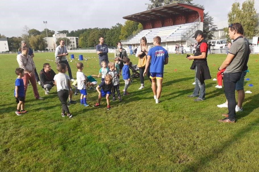 La nouvelle section Baby Rugby du RC Blois a tenu sa première séance ce samedi 11 septembre